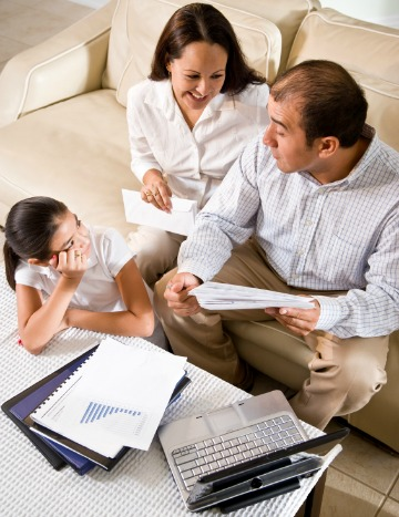 Setting Your Family Budget: 7 Tips To Consider